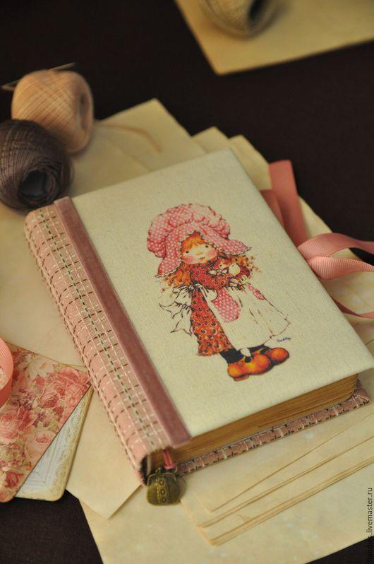 """Блокноты ручной работы. Ярмарка Мастеров - ручная работа. Купить Блокнот ручной работы из серии """"Девочка с котёнком"""". Handmade."""