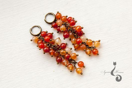 Длинные серьги-грозди из бусин натурального сердолика `Теплая осень`. Лунная Кошка