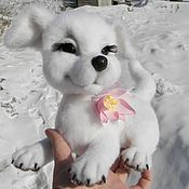 Куклы и игрушки ручной работы. Ярмарка Мастеров - ручная работа Белоснежный щенок. Handmade.