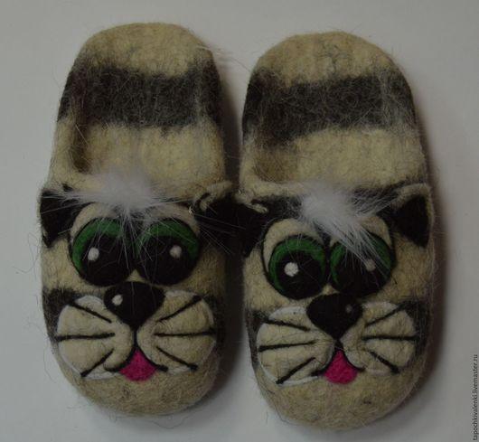 """Обувь ручной работы. Ярмарка Мастеров - ручная работа. Купить Валяные детские тапочки """"Коты-Матроскины"""" (обувь для дома). Handmade."""