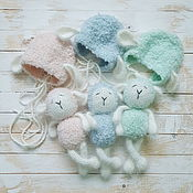 Одежда ручной работы. Ярмарка Мастеров - ручная работа Вязаная овечка для фотосессии новорожденных с игрушкой. Handmade.