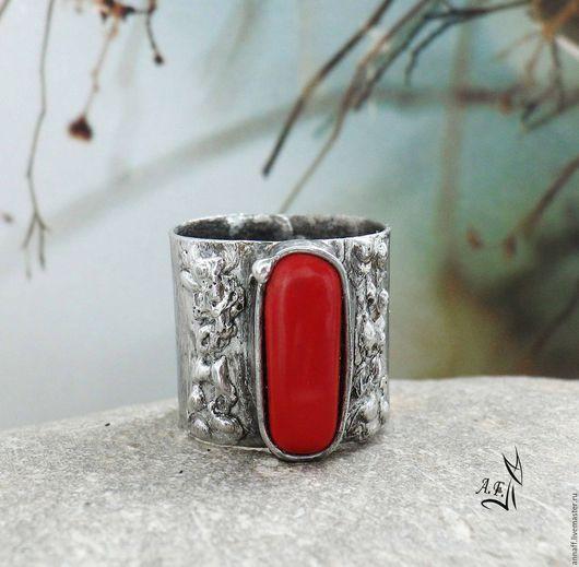 """Кольца ручной работы. Ярмарка Мастеров - ручная работа. Купить """"Коралловый остров"""" - широкое кольцо с кораллом. Handmade. Ярко-красный"""