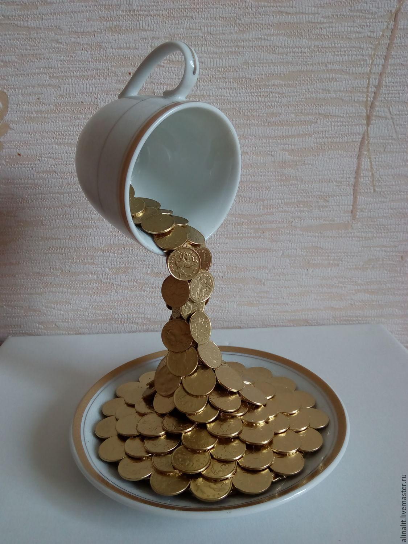Чашка монет фото