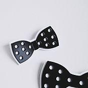 Украшения ручной работы. Ярмарка Мастеров - ручная работа Значок брошь галстук-бабочка бантик бант для волос черно-белый. Handmade.