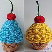 Куклы и игрушки ручной работы. Ярмарка Мастеров - ручная работа Вязаные сладости - Пирожное с вишней. Handmade.