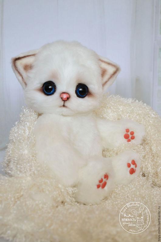 Игрушки животные, ручной работы. Ярмарка Мастеров - ручная работа. Купить Котик Пушок игрушка. Handmade. Белый, котенок, из меха